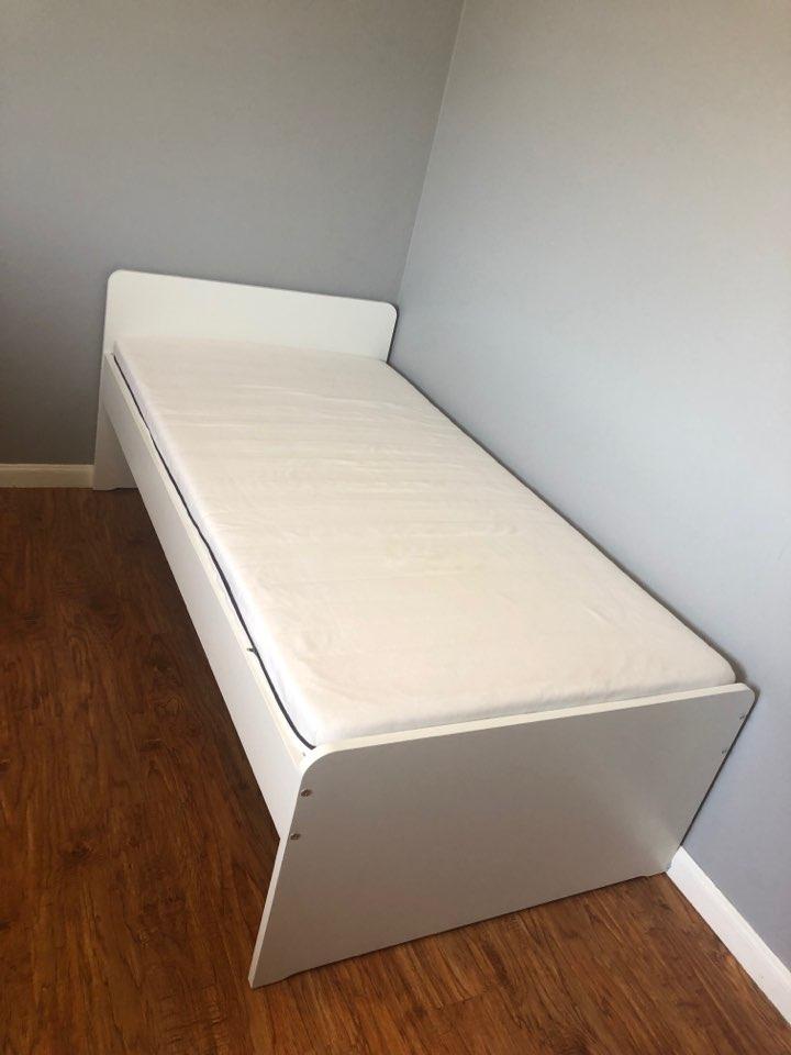 ikea_slakt_bedframe-mattress.jpg